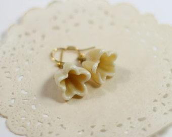 Ivory gold flower earrings, lampwork flower earrings on french wires, flower girl, bridesmaids gifts