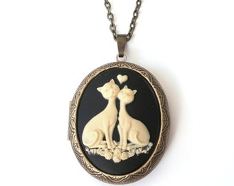 Love Cats Locket, Cat Locket, Cat Cameo Locket Necklace, Loving Cats, Valentine Necklace, Antique Bronze or Gunmetal, Black, Mauve or Pink