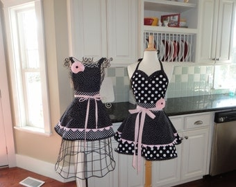 Mother Daughter Aprons in Black Dot - Fun Christmas Gift ~ 4RetroSisters