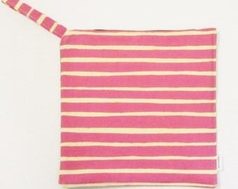 MARIMEKKO Piccolo pot holder,  hostess/ house warming gift,  authentic fabric from Finland