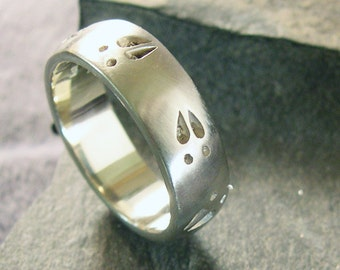 14k White Gold Deer Track Wedding Band or Nature Ring