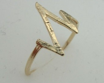 Zig Zag Gold filled Ring, Simple Ring, Gold Ring, 14k Gold Filled Ring , Delicate Ring, Birthday Gift, Gift For Her