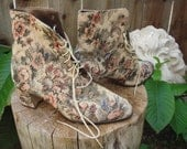 Vintage Victorian tapestry boots,floral pattern size 11 but fits 10