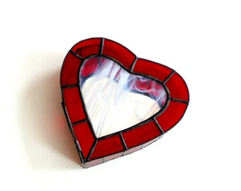 Stained glass heart shaped jewelry box, keepsake box, ruby red heart box, hinged box, gift for her jewelry storage