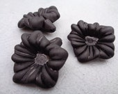 Black Lucite Flower Beads 30mm X 25mm 10pcs (Item Number PL549)
