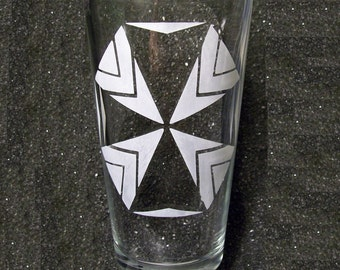 Resident Evil Umbrella Corp etched pint beer glass tumbler