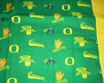 Oregon Ducks Pillowcase with yellow  trim  - Fits Standard and Queen size pillows
