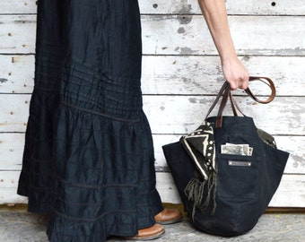 Waxed Canvas Bucket Bag, Gatherer Bag in Coal, Gift for Women, Waxed Canvas Tote Bag, Shoulder Bag, Black Tote Bag, Hobo Bag, Peg and Awl