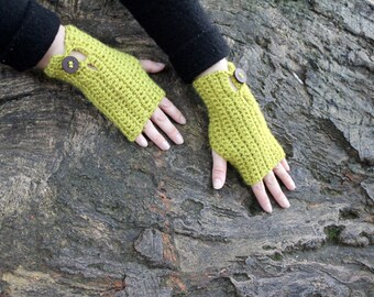 Crochet mittens in light green with buttons, fingerless gloves, gift for her, knitwear UK
