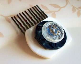 Mother of Pearl Buckle and Facets Button Vintage Hair Comb