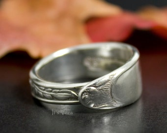 Spoon ring, narrow ring, spoon jewelry, cutlery ring, handmade spoon ring, Boho wedding ring, promise ring, silver spoon band ring,