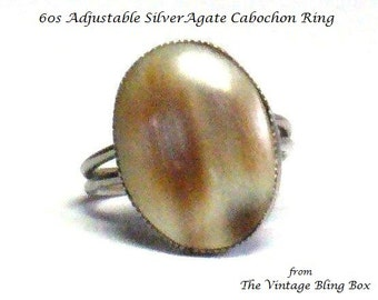 60s Silver Agate Ring with Oval Cabochon Bezel Set in Silver Split Shank Design - Vintage 60's Costume Jewelry