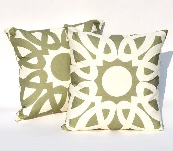 Pesto & Garlic Loop Reversible Throw Pillow Cover : Double