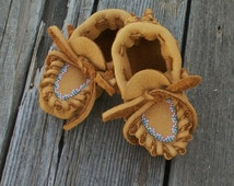 Baby Moccasins , Beaded baby moccasins , Baby girl Booties , Newborn Moccasins