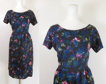 50s 60s wiggle dress / 50s floral cocktail dress / vintage 50s 60s dress / black blue floral 50s dress / 50s short sleeve dress /size medium