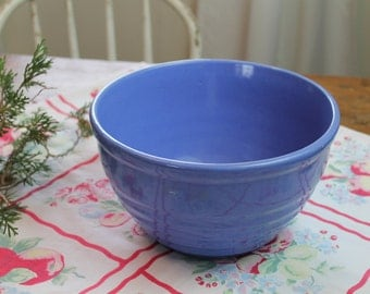 Vtg 10 in Ring Bowl PERIWINKLE BLUE- 1920s 1940s Mixing Bowl- Art Pottery shabby Country chic