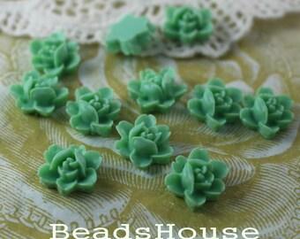 20%OFF -  502-00-CA  10pcs Petite Lily Cabochon - Mist Green