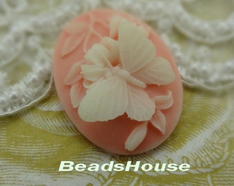 153-00-CA   2pcs (30 x 40mm) Pretty Butterfly Cameo - White / Pink