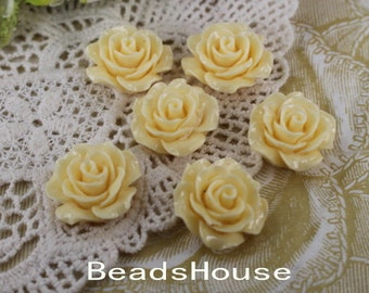 696-00-CA  6pcs (20mm) Beautiful Roses Cabochon- Ivory