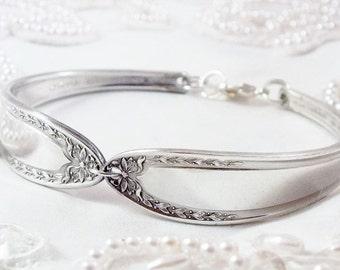 Spoon Bracelet, FREE ENGRAVING, Bridal Wreath 1915, Bridesmaid Gift, Silverware Bracelet, Bridesmaid Jewelry, Vintage Wedding, Personalized,