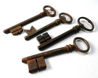 ANTIQUE Skeleton Key from the Paris Flea Market, Vintage Rustic Key - ONE KEY from selection shown