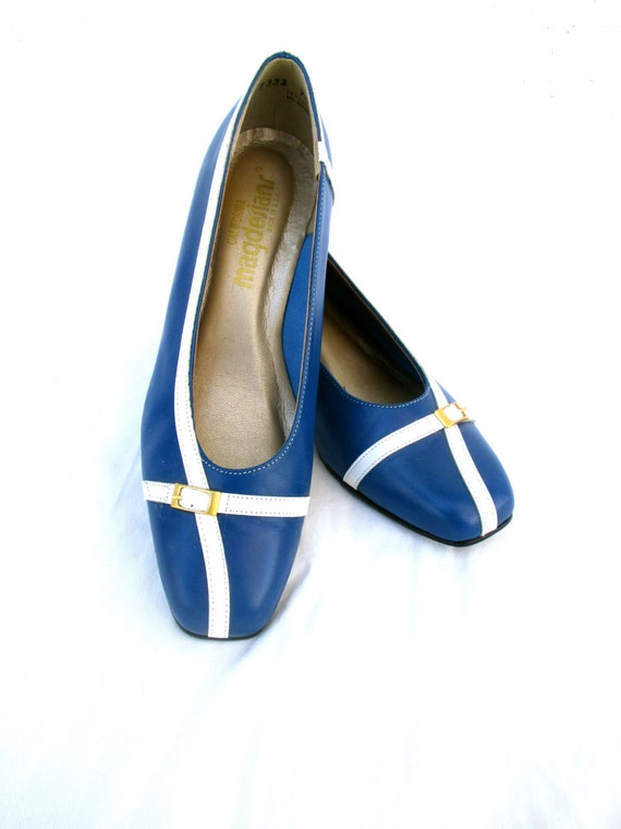 Vintage Shoes Wedges Blue White Gold Buckle Navy Nautical Sailor Look Beach Ocean Summer SZ 7.5