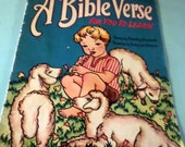 Bible Verse for You To Learn Booklet Dorothy Grunbock with drawings by Emmy Lou Osbourne Paperback book or pamphlet Gorgeous Illustrations