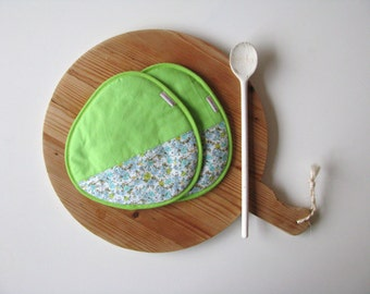 fresh green cotton potholders - floral blue and green cotton potholders - fun kitchen - housewarming gift - home decor - colorful kitchen