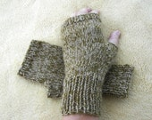 CAMEL WOOL Hand Knit Fingerless GLOVES in Beige Moss Green/ Seamless Knit Gloves