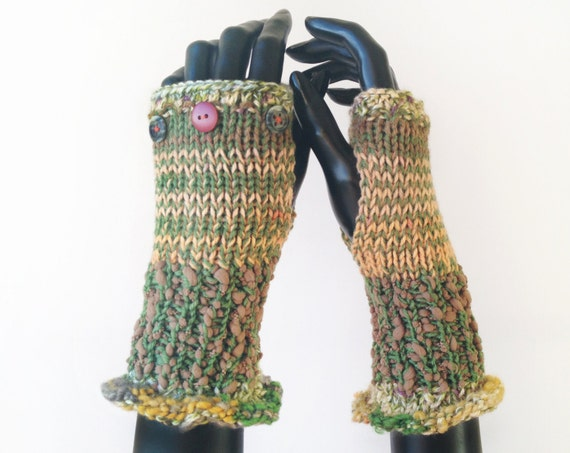 Green Fingerless Gloves - Lichen Frilly Fingers - Earthy Green Fingerless Mittens