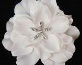 Bridal WHITE hair flower with rhinestone STARFISH centerpiece / white flower clip / Beach Wedding hair white bridal flower