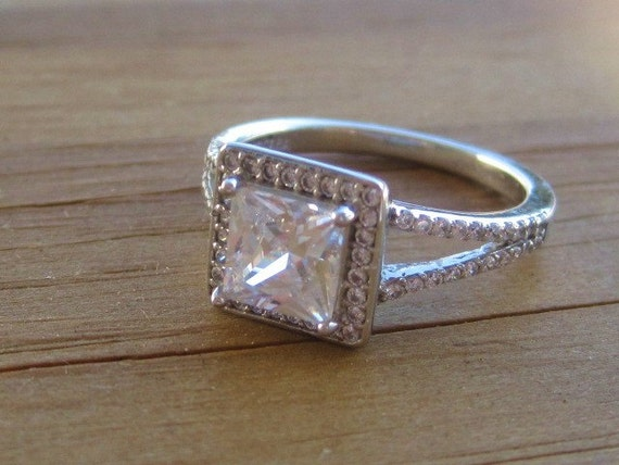2kt Tocara 925 Sterling princess cut cz center stone by 1900sBride