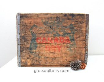 Vintage Canadian Dry Crate Box with Metal Straps, Canadian Dry Wood Box, Wedding Decor // Item No 12715