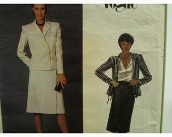 """1970s Valentino Side Wrap Jacket Pattern, Wrap Skirt,  Notched Stand-up Collar, Welt Pockets, Vogue No. 2622 UNCUT Size 16 Bust 38""""(97cm)"""