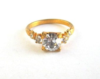 Vintage Gold & CZ / Rhinestone Ring - Nice Sparkle w/ Gold Foil Backs