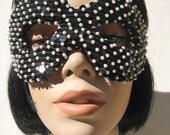 The GLAMBurglar Mask