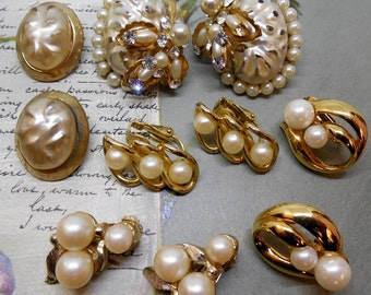 5 pr Vintage Pearl & Gold Tone Clip On Earrings