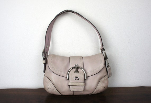 vintage coach light lilac shoulder purse pale purple pink. Black Bedroom Furniture Sets. Home Design Ideas