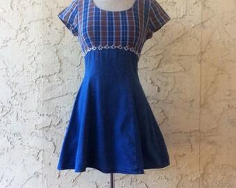 90s Vintage Denim & Plaid A Line Daisy Dress/// size Medium