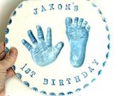 Premier anniversaire cadeau - bébé personnalisé Nursery Wall Decor - empreinte de la main Art Wall Decor - souvenir cadeau de bébé - nouvelle maman cadeau personnalisé