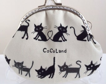 Free Shipping - Handmade Coin Purse Small Kitten (P17009)