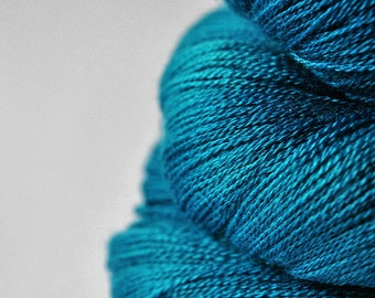 Dragonfly flying too high  - Merino/Silk/Cashmere Fine Lace Yarn
