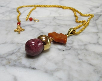 Muscovite Acorn and Aventurine Bird Natural Stone and Crystal, Lower Chakra Healing Pendant with Gold Chain
