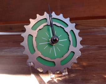 BIKE GEAR - Mini Desktop Clock: GREEN