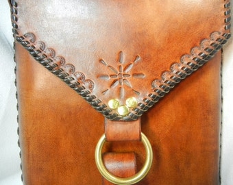 Leather Cross Body Bag in Antique Brown