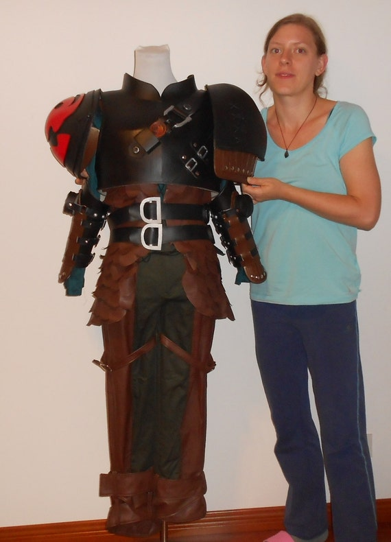 Hiccup costume and armor from How To Train Your Dragon 2