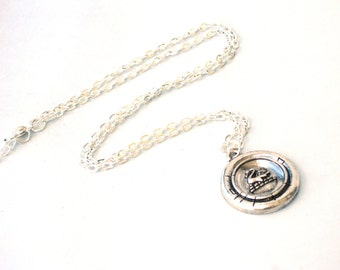 SWAN Necklace - Once Upon a Time - Geekery - By GlazedBlackCherry