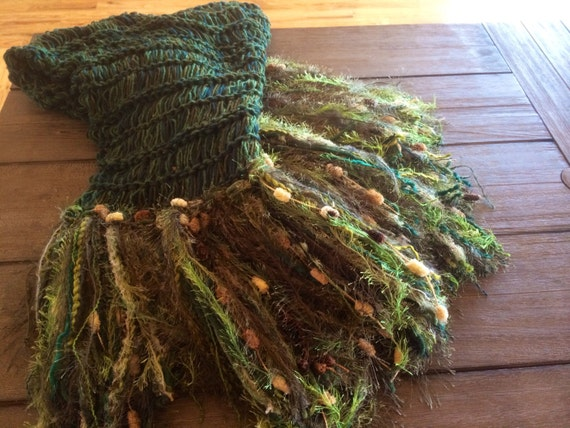 Green Home Decor Fringe Throw Blanket.  Pine Green with Forest Green, Hunter Green, Dark Green Afghan Decoration