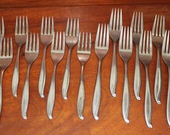 TRADEWINDS Vintage Flatware set replacements silverware stainless steel knife fork spoon swirl by International: JAMAICA Pattern BiN 2