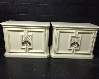 Set of Wide Veranda Ivory Nightstands